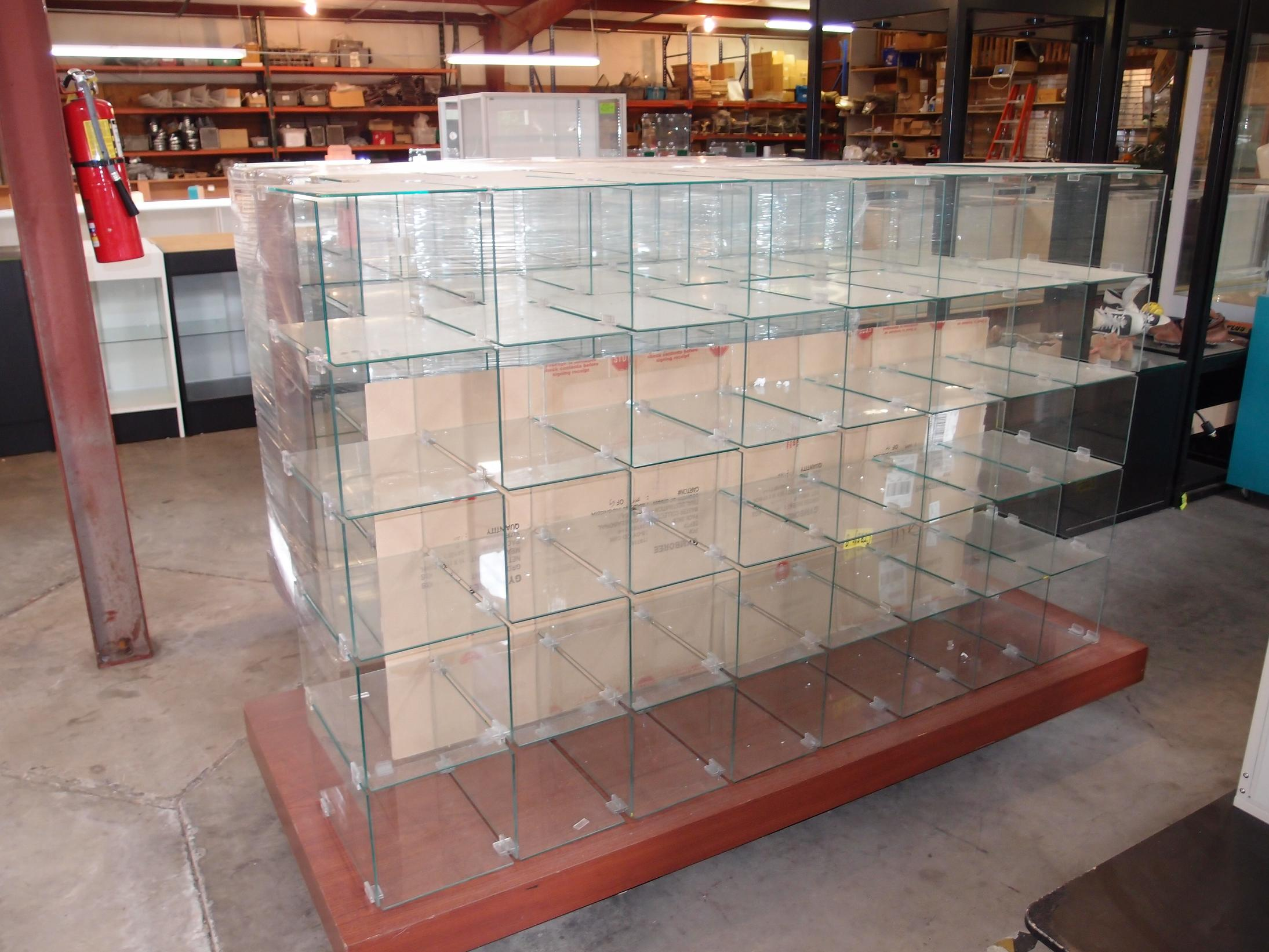 Used Glass Shoe Display Reeves Store Fixtures