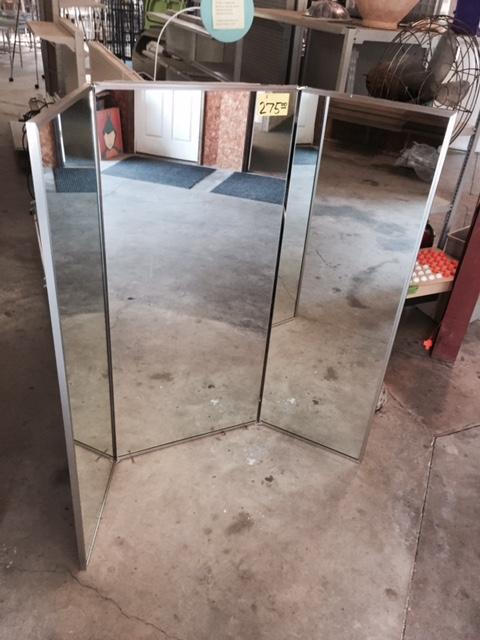 Three-Way Mirror - Reeves Store Fixtures